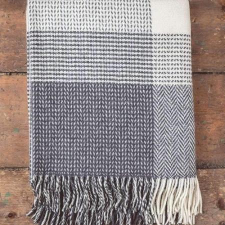 Foxford Grey & White Large Check Throw